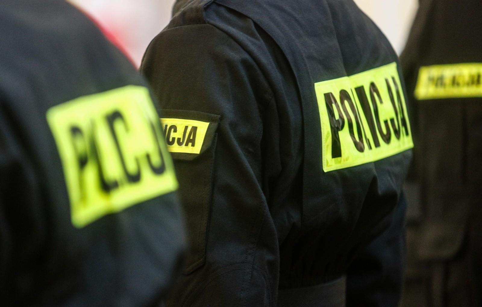 30-latek znaleziony martwy. Śledczy zatrzymali policjantów! - Zdjęcie główne