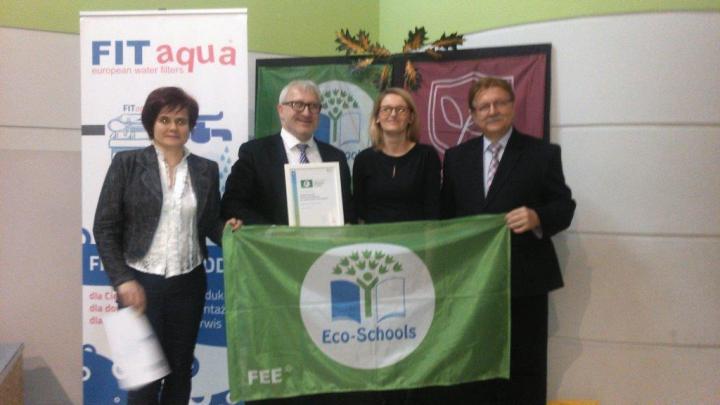 SOSW w Stemplewie po raz drugi odebrał Zieloną Flagę - Zdjęcie główne