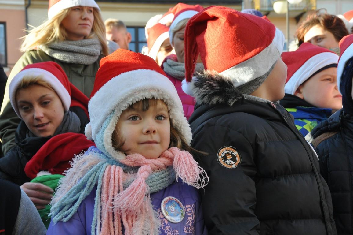 Tłum Mikołajów w Łęczycy - Zdjęcie główne
