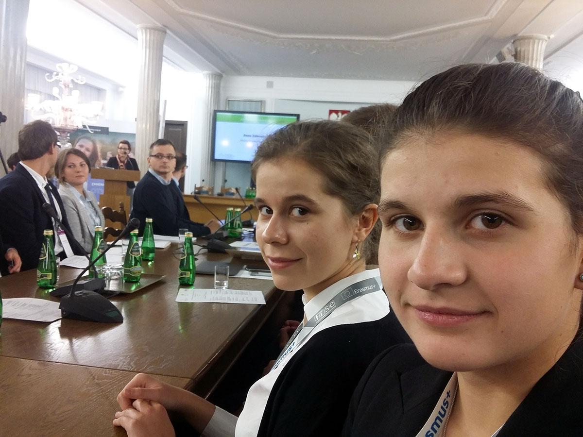 Czy i komu potrzebne są młodzieżowe rady? – debata w Sejmie RP z udziałem reprezentantów Miłoszówki - Zdjęcie główne