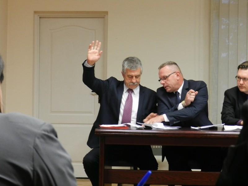 Burmistrz o pensję zamierza walczyć w sądzie - Zdjęcie główne