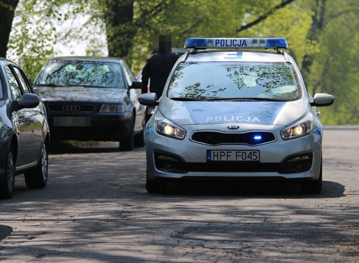 Miał 3 promile, uciekał przez miasto, spowodował wypadek, zwyzywał policjantów, a na tym nie koniec... - Zdjęcie główne