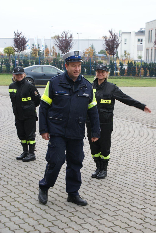 Ćwiczebne spotkanie policji i strażaków - Zdjęcie główne