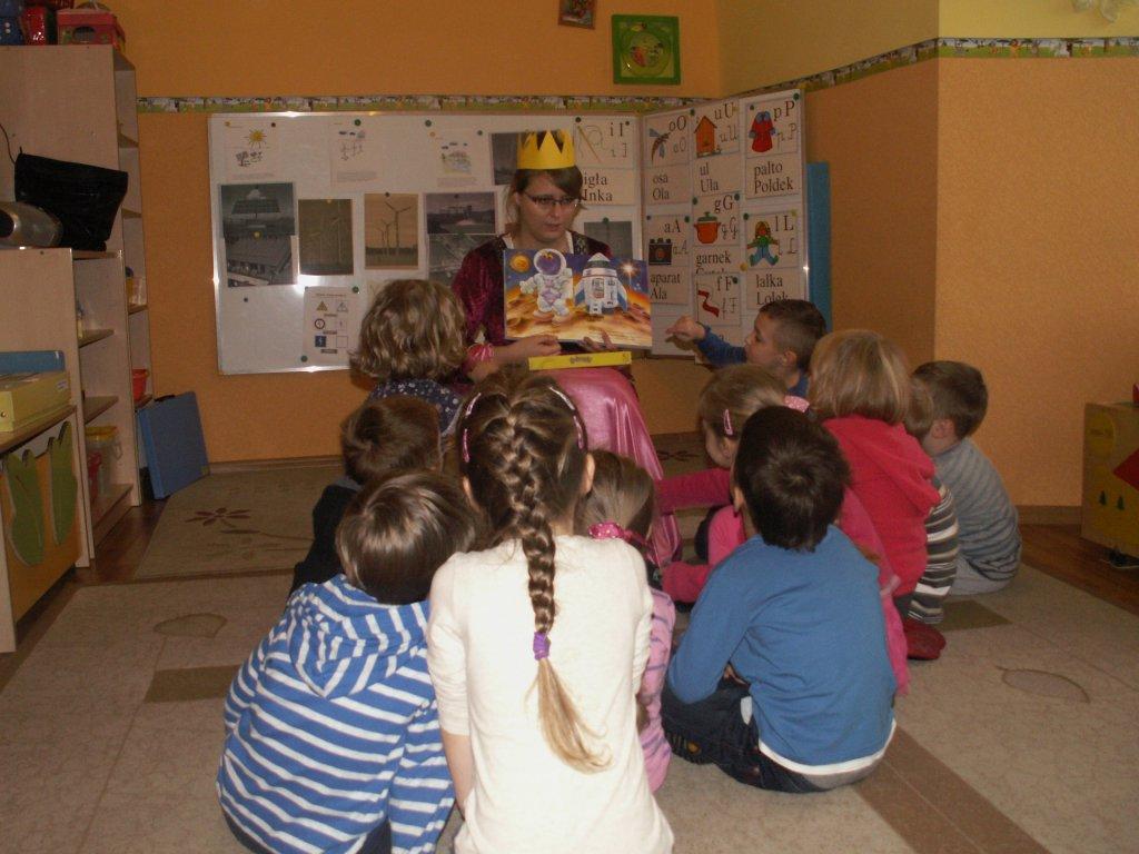 Głośne czytanie w łęczyckich przedszkolach  - Zdjęcie główne