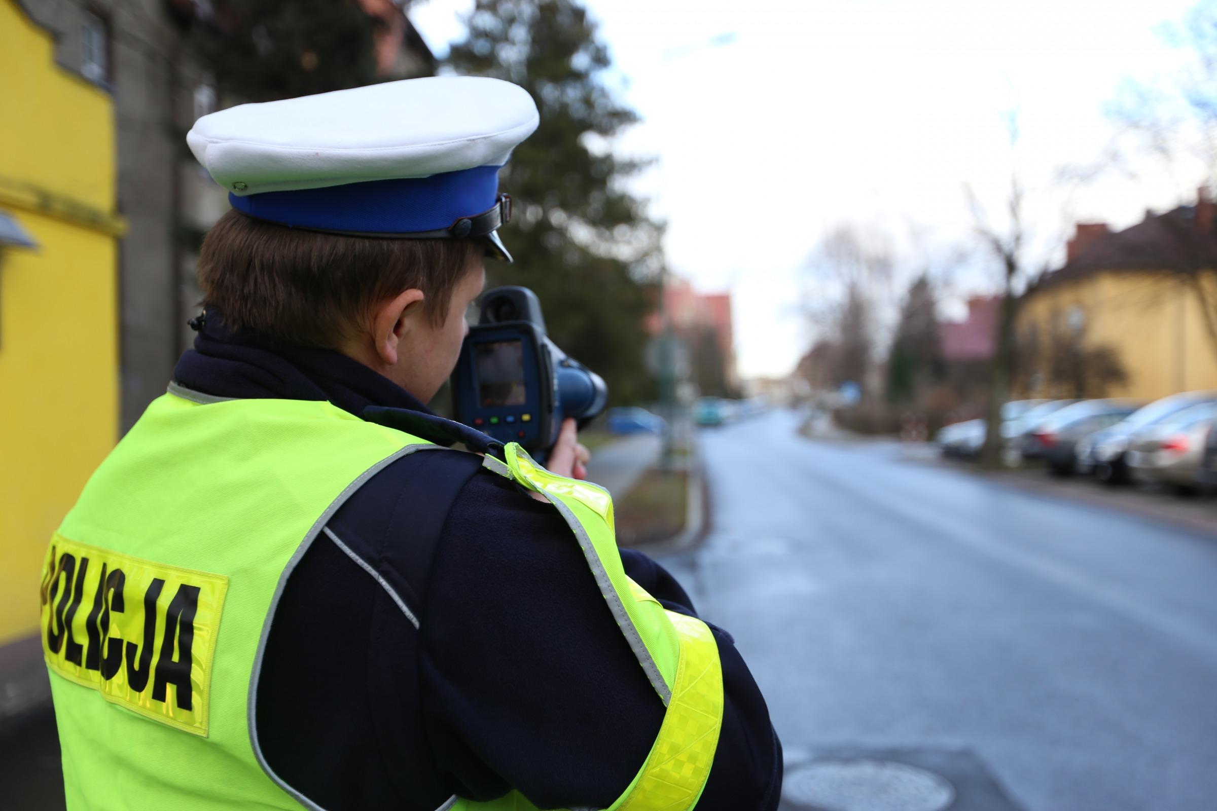 Plaga przekroczeń prędkości! Policja odbiera prawka taśmowo! - Zdjęcie główne