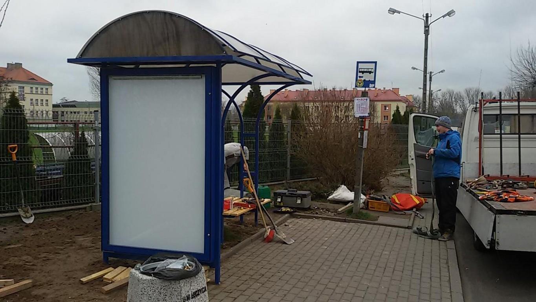 Stawiają nowe wiaty - Zdjęcie główne