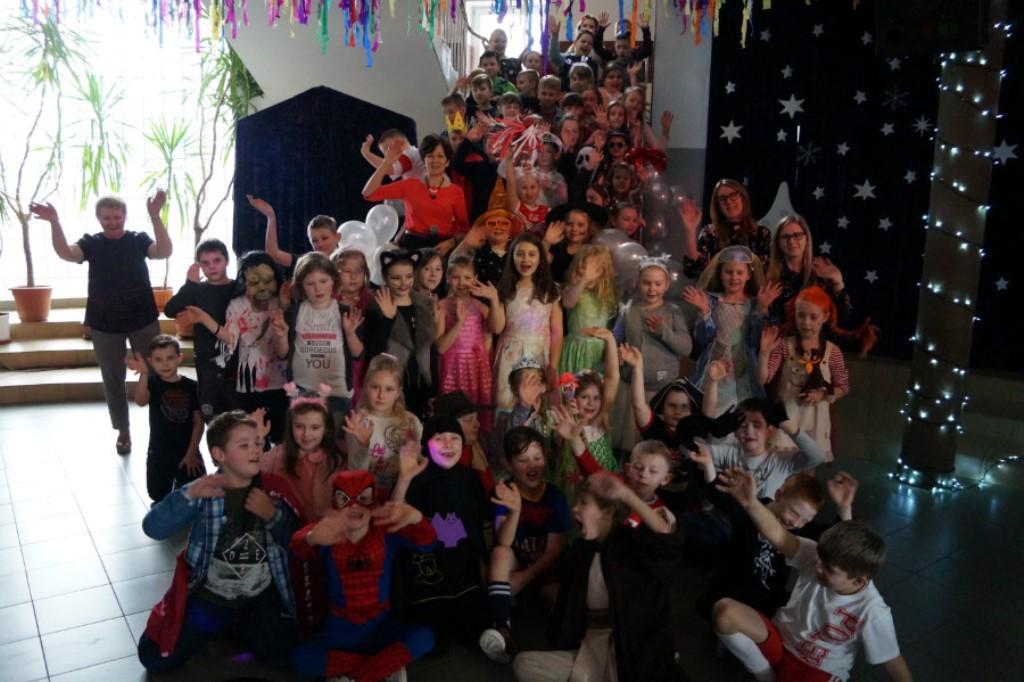 Zabawa choinkowa klas I-III Szkoły Podstawowej w Witoni [ZDJĘCIA] - Zdjęcie główne