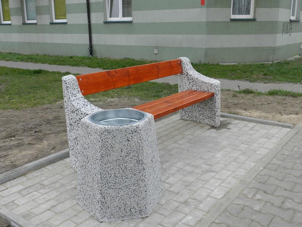 Nowe ławki na ulicy Kaliskiej - Zdjęcie główne