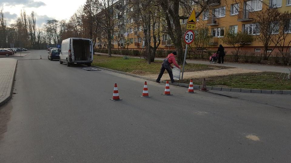 Na ul. Bitwy nad Bzurą postawiono przejście dla pieszych - Zdjęcie główne