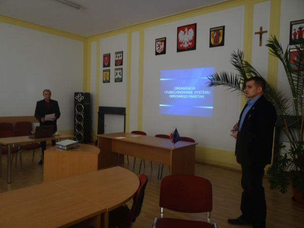 Szkolenie z zakresu spraw obronnych - Zdjęcie główne