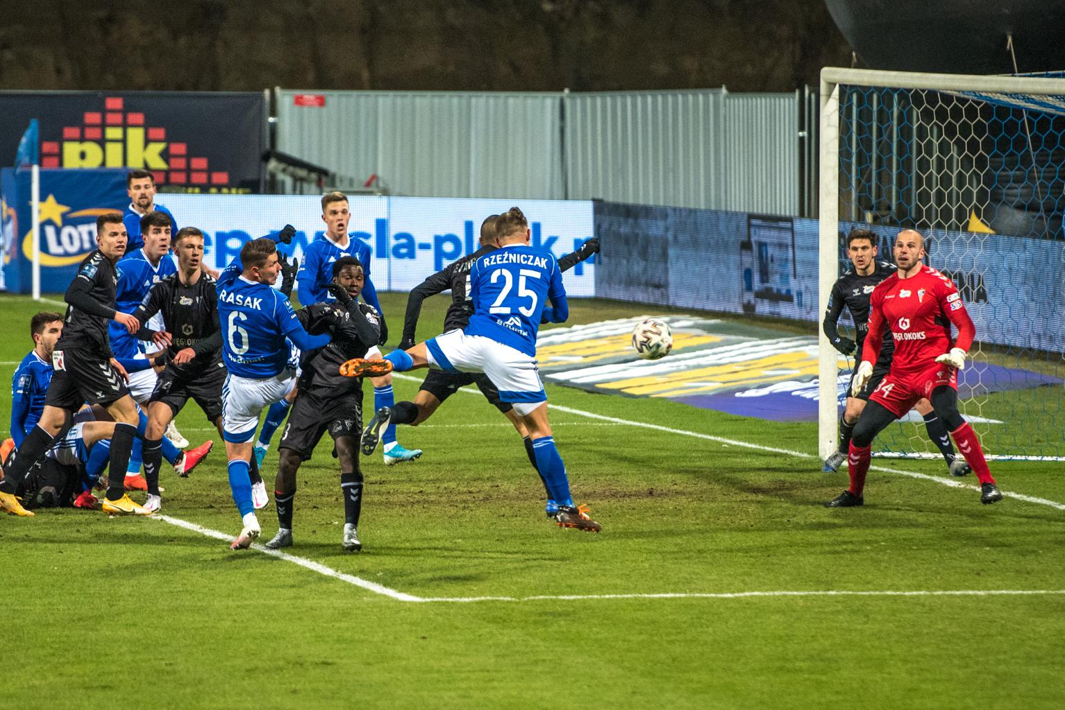 Wisła kontynuuje passę niestrzelania bramek przy Łukasiewicza 34. Porażka z Górnikiem  - Zdjęcie główne