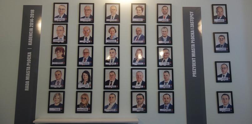Radni i prezydenci jak z obrazka. Nowa galeria w płockim ratuszu [FOTO] - Zdjęcie główne