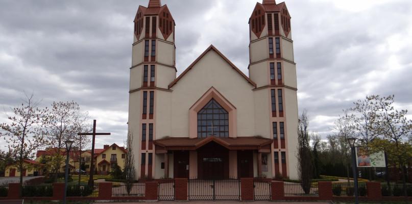 Sprawdź, ilu wiernych będzie mogło uczestniczyć w mszy świętej w płockich kościołach - Zdjęcie główne