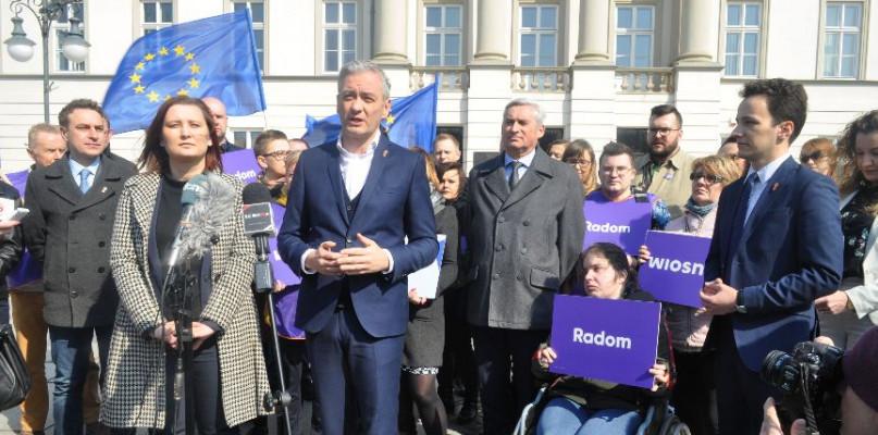 """Wyborcze """"jaskółki"""" Wiosny. Biedroń: Dajcie czadu, kierunek Bruksela - Zdjęcie główne"""