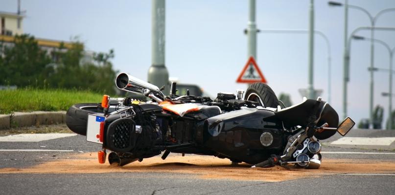Wypadek z udziałem motocyklisty. 20-latek w szpitalu - Zdjęcie główne
