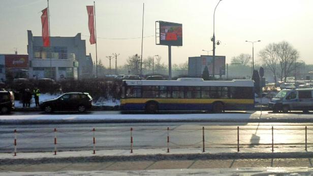 Zderzenie autobusu i bmw. Winnych nie ma - Zdjęcie główne