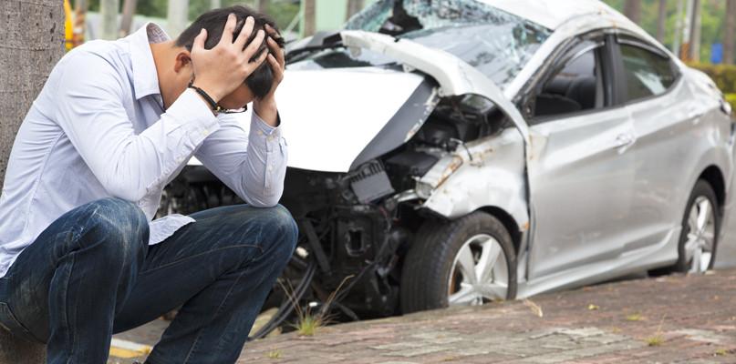 Tragiczny weekend na drogach. Sześć wypadków w powiecie, jedna ofiara śmiertelna - Zdjęcie główne
