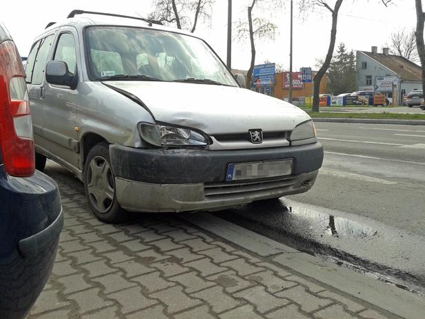 Zderzenie aut w centrum, jest korek [FOTO] - Zdjęcie główne