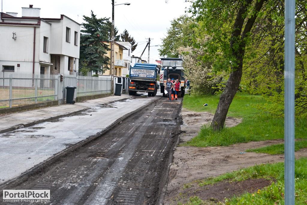 Ruszyły prace na ul. Traugutta - Zdjęcie główne