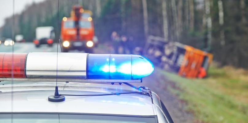 Dwa wypadki w powiecie, dwoje rannych w szpitalu - Zdjęcie główne