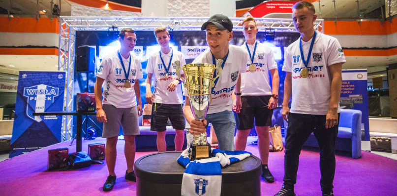 Za nami finały Międzyszkolnej Ligi Esportowej. Najlepsze III LO [FOTO] - Zdjęcie główne