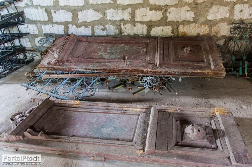 Czy to zabytkowe drzwi synagogi? - Zdjęcie główne