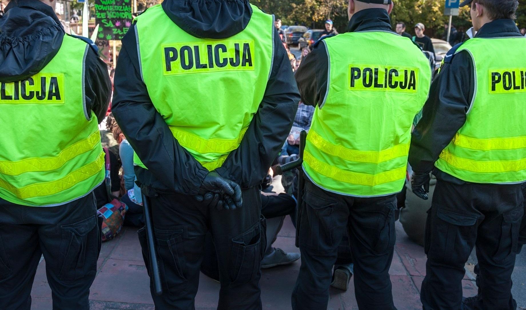 Płocka policja zapowiada więcej patroli w Wielkanoc. Będą kontrole kierowców, maseczek i… kościołów - Zdjęcie główne