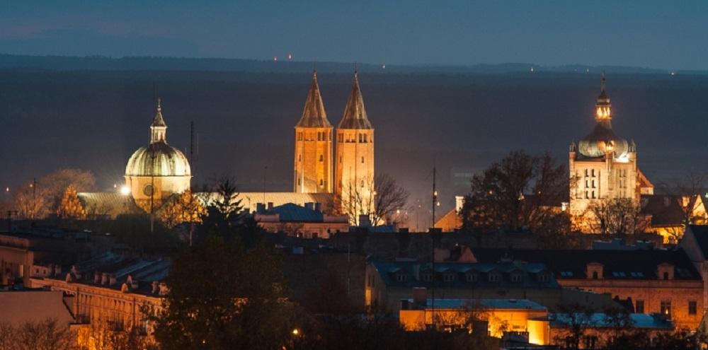 Sprawdź, ilu wiernych będzie mogło uczestniczyć w mszach świętych w płockich kościołach  - Zdjęcie główne