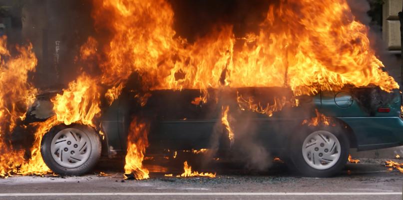Spłonął wart blisko 300 tys. złotych samochód  - Zdjęcie główne