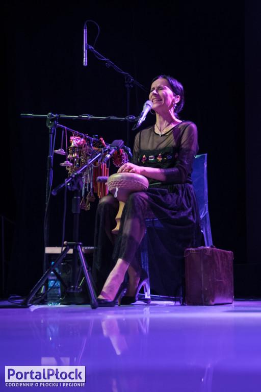 Renata Przemyk i Acoustic Trio - Zdjęcie główne