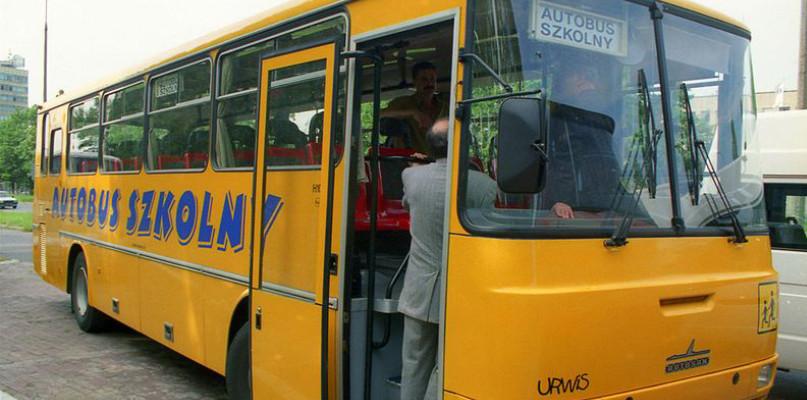 Gimbus nie nadawał się do jazdy, kierowca nie miał uprawnień  - Zdjęcie główne