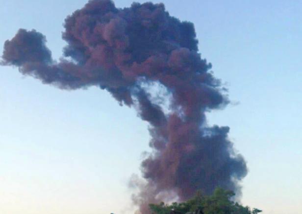 Znów huk i chmura czarnego dymu [FOTO] - Zdjęcie główne