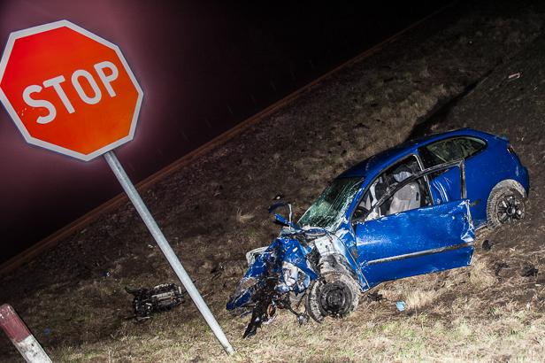 Śmiertelny wypadek na przejeździe [FOTO] - Zdjęcie główne