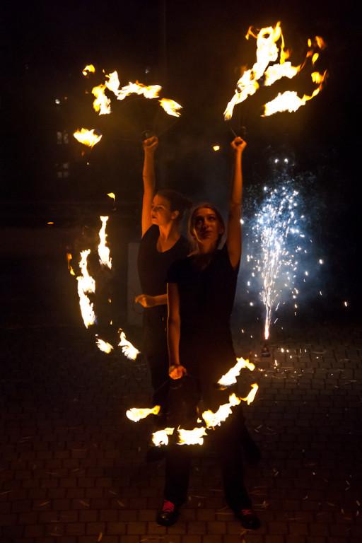 Taniec z ogniem na Podolszycach - Zdjęcie główne