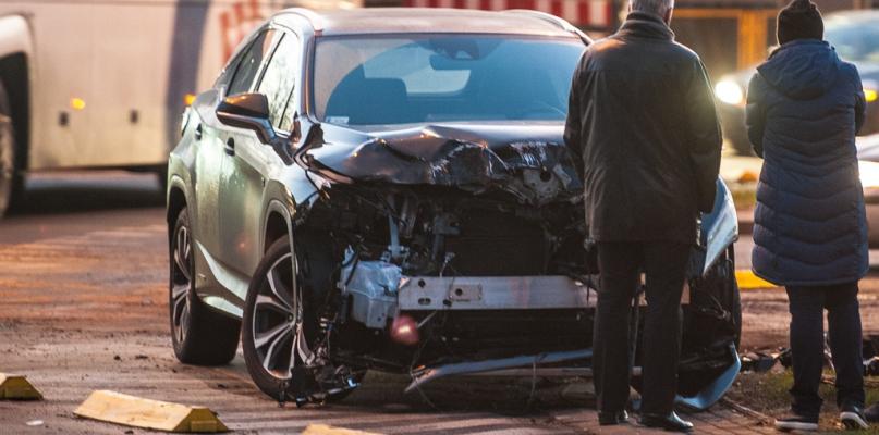 Na skrzyżowaniu niedaleko zoo zderzyły się samochody  - Zdjęcie główne