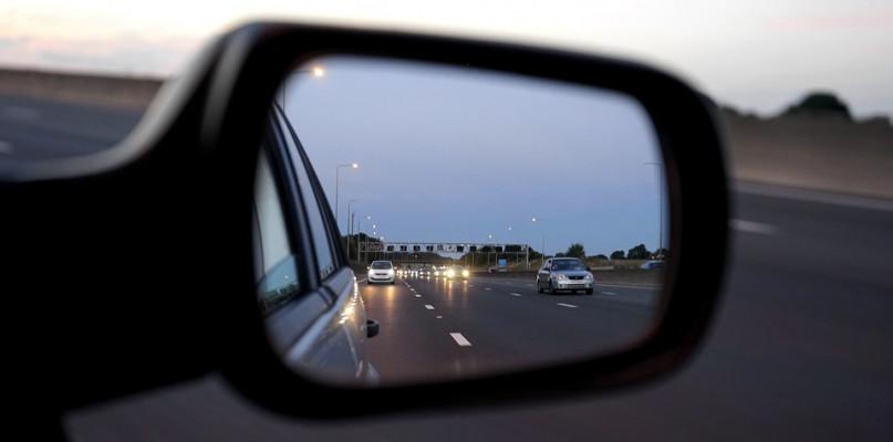 Sypią się mandaty i punkty karne, kolejni kierowcy pozbawieni prawa jazdy - Zdjęcie główne