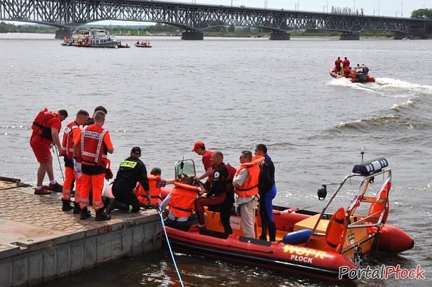 Na rzece wywróciła się łódka. Trwa akcja - Zdjęcie główne