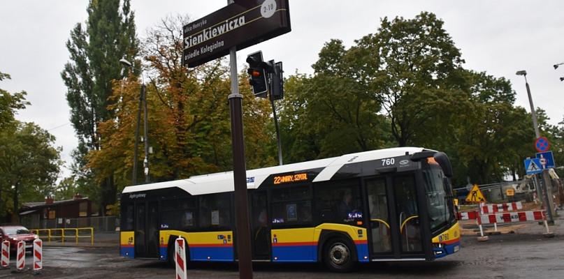 Uwaga! W weekend autobusy pojadą objazdem, niektóre przystanki nieczynne - Zdjęcie główne