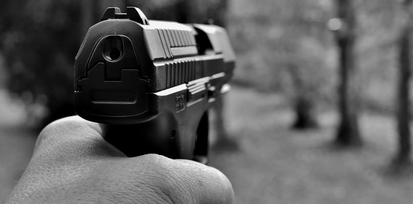 Strzelił do mężczyzny, który trzymał nóż. W programie Polsatu o sprawie z Płocka - Zdjęcie główne