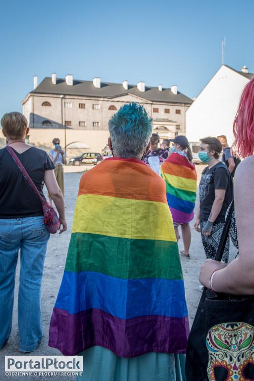 Protest przed płockim zakładem karnym - Zdjęcie główne