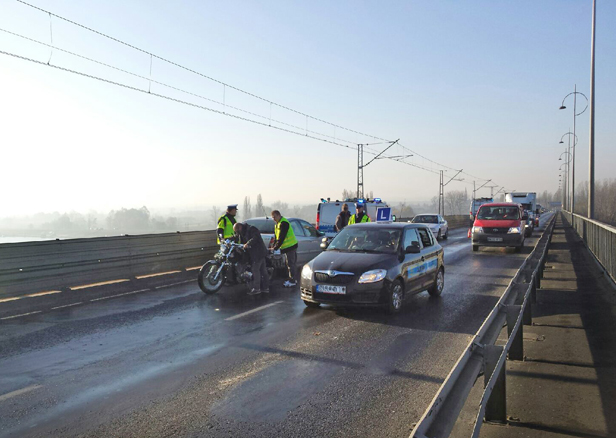 Wypadek na moście: nie żyje motocyklista - Zdjęcie główne