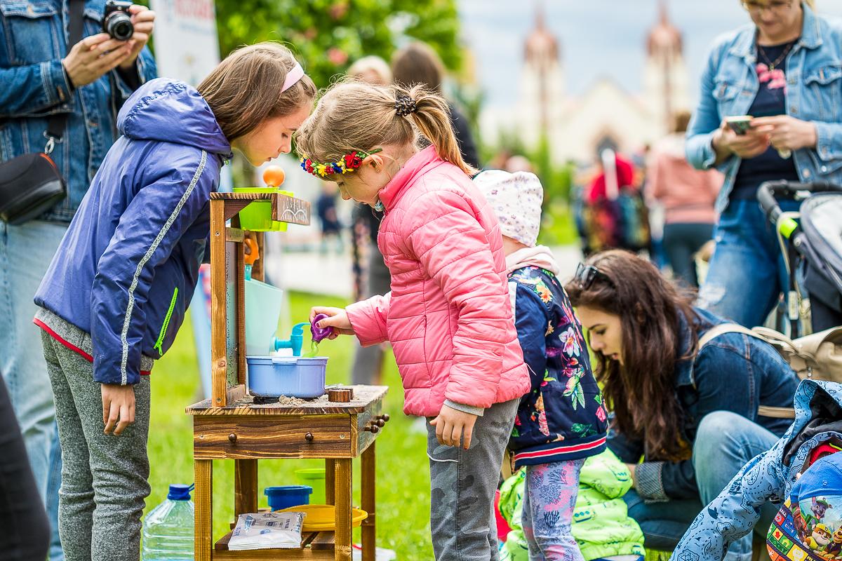 Dzień Dziecka po sąsiedzku w Płocku. Ogromne zainteresowanie [ZDJĘCIA] - Zdjęcie główne