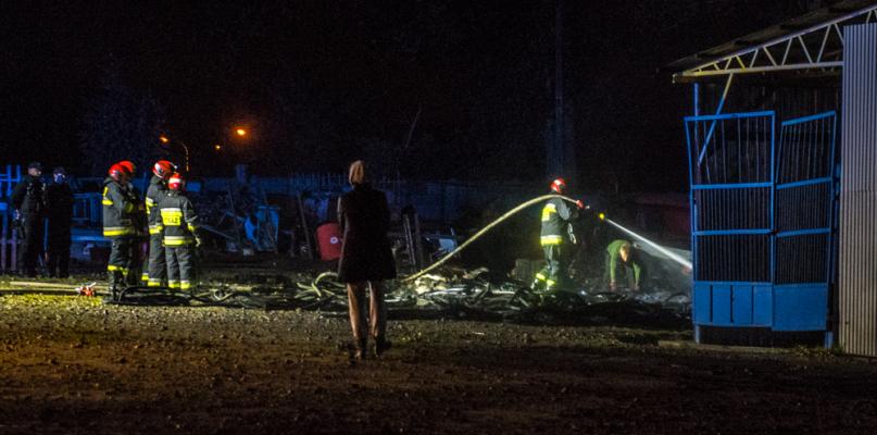 Wieczorem przy Harcerskiej wybuchł pożar [FOTO] - Zdjęcie główne