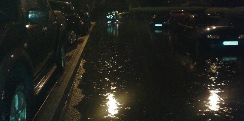 Zalane ulice i wiadukt. To skutki nocnej burzy - Zdjęcie główne