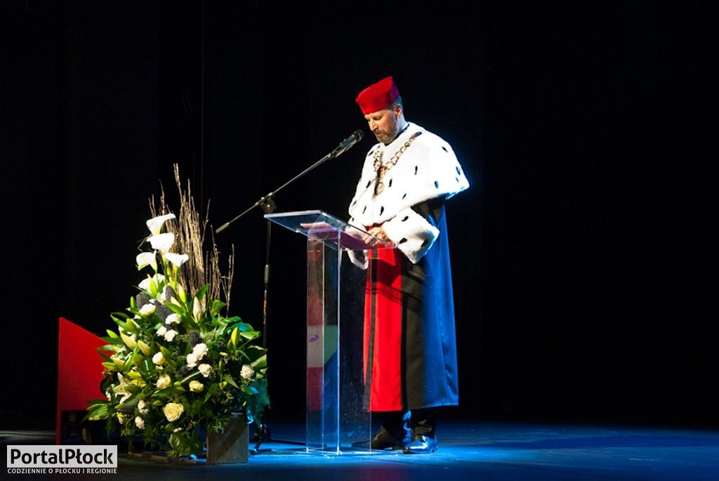 Sukces rektora płockiej uczelni. Otrzymał tytuł profesora  - Zdjęcie główne