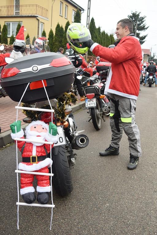 Przejazd Moto Mikołajów z prezentami - Zdjęcie główne