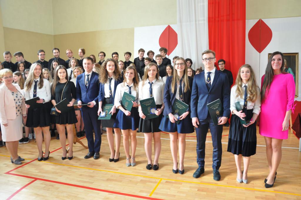 Małachowianka pożegnała absolwentów - Zdjęcie główne