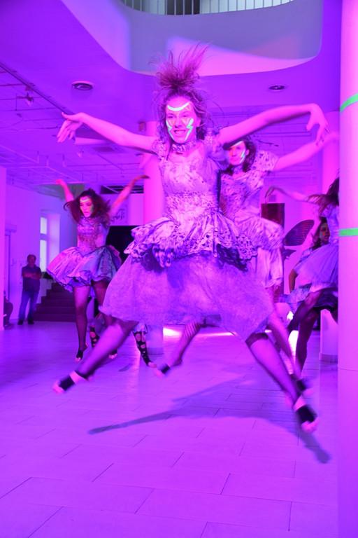 Niesamowity taneczny pokaz podczas Nocy Muzeów - Zdjęcie główne