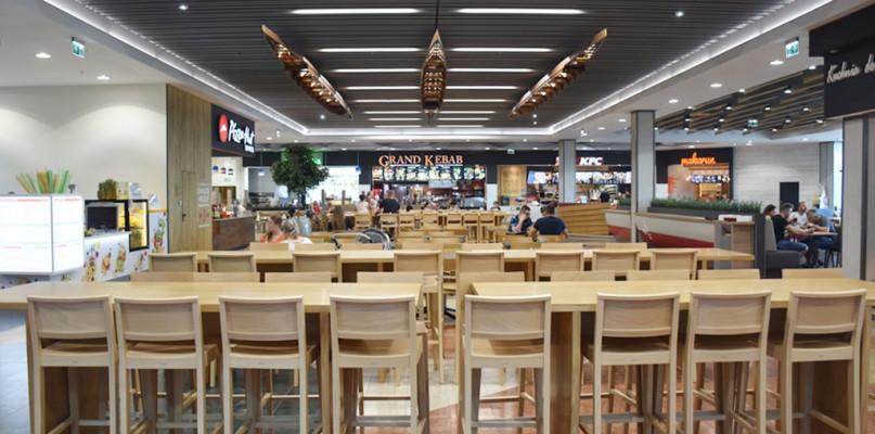 Galeria handlowa wprowadza ekologiczne rozwiązania w strefie restauracyjnej - Zdjęcie główne