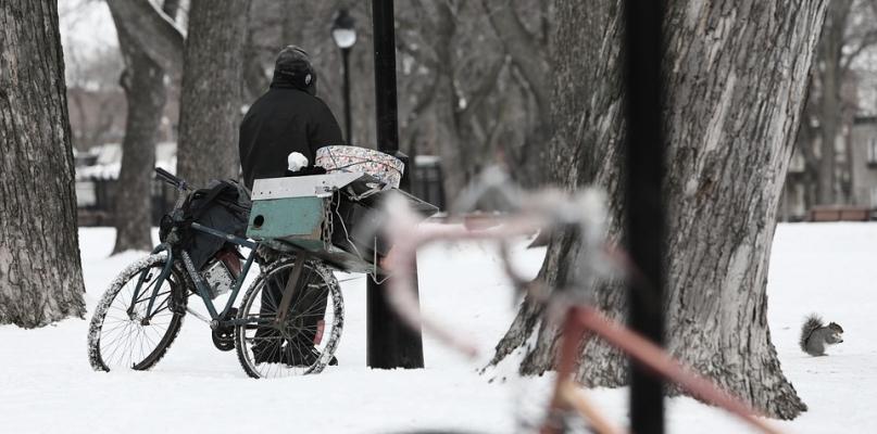 Wraca tęga zima. Zwróćcie uwagę na bezdomnych  - Zdjęcie główne